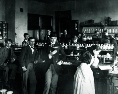 Photo c. 1915-20 of UK science lab.